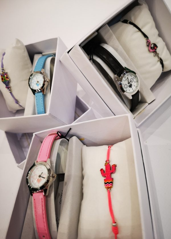 Conjunto de reloj con pulsera para niña