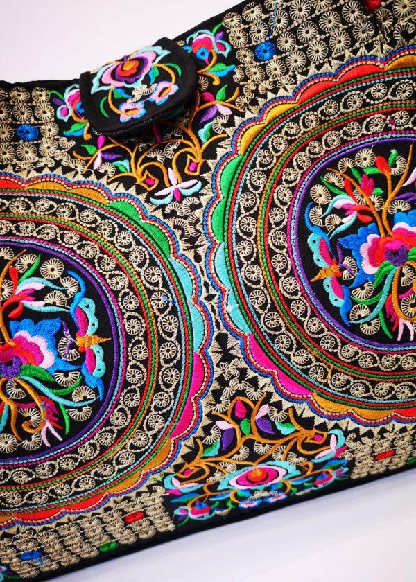Bolso de tejido colorido