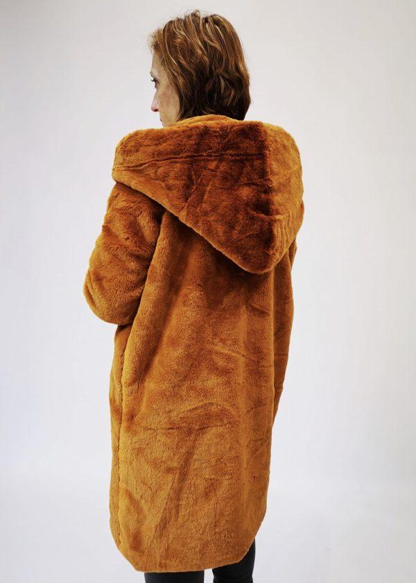 Abrigo de pelo con capucha