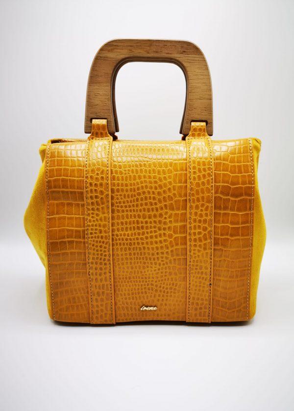 Bolso con asa de madera