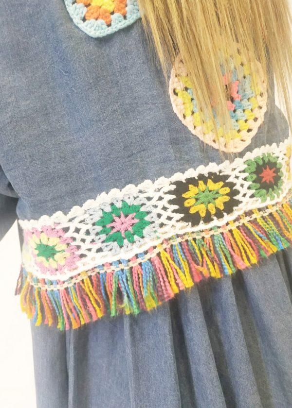 Camisa vaquera con crochet